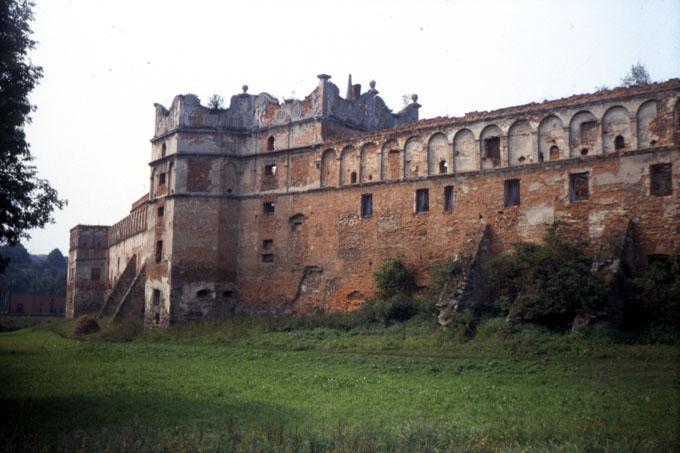 Замок в старом осколе